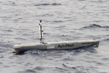 AutoNaut at work with The Ocean Cleanup